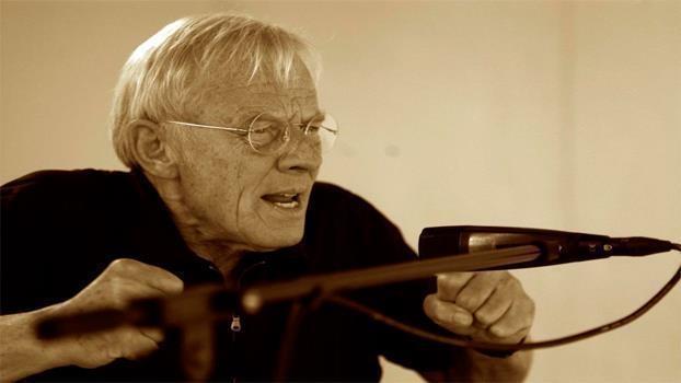 Rolf Becker liest das Kommunistische Manifest