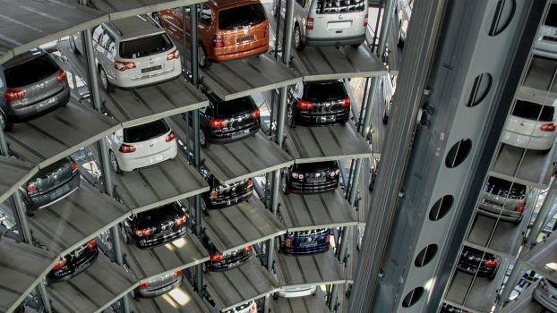 Zukunft der Arbeit in automobilen Wertschöpfungsketten