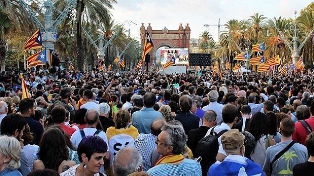 Katalonien - Unabhängigkeitsbewegung, Munizipalismus und Selbstorganisierung