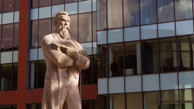 Mittelengland: Sheffield, Manchester und Liverpool - Steel City, Friedrich Engels und die Beatles