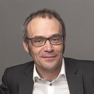 Dr. Florian Weis