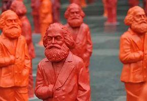 Auf den Schultern von Karl Marx